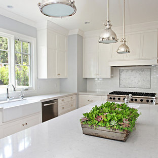 Inspiration For A Transitional L Shaped Open Concept Kitchen Remodel In Orange County With
