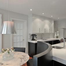 Contemporary Kitchen by Binns kitchen + bath design