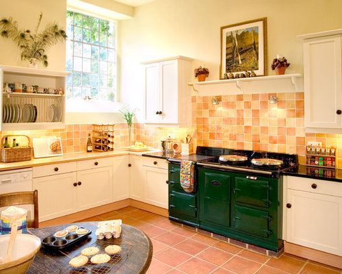 Terracotta floor tile houzz for Terracotta kitchen ideas