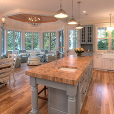 Beach Style Kitchen by MAC Custom Homes