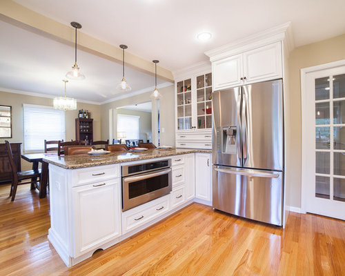 Mid Sized Traditional Kitchen Design Ideas Renovations