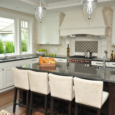 Traditional Kitchen by Ron Will Management
