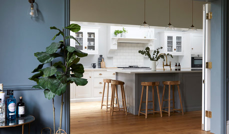 A Beautiful Connection Between a Kitchen and a Dining Room