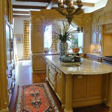 Traditional Kitchen by Richard Drummond Davis Architects