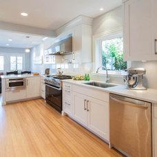 Contemporary Kitchen by Kenorah Design + Build Ltd.