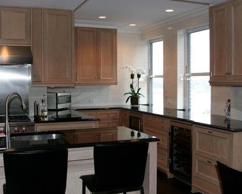 Classic Manhattan Kitchen And Wet Bar