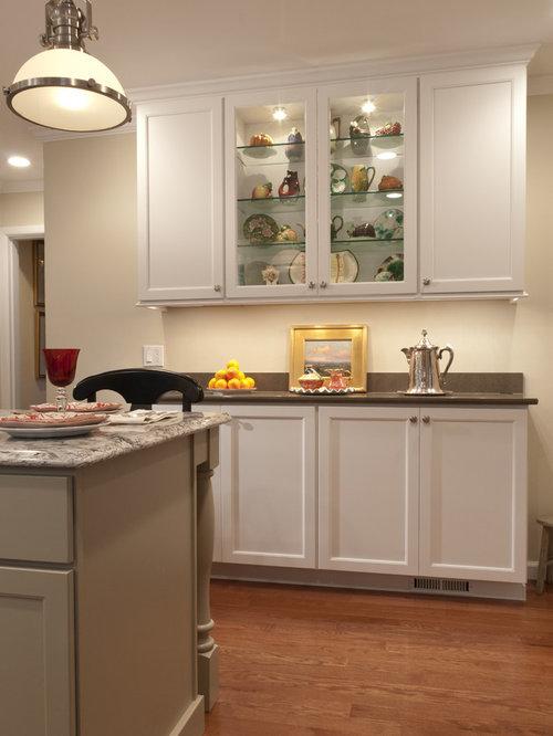 Arts and crafts kitchen design ideas renovations photos for Arts and crafts kitchen designs