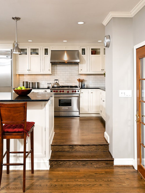 Step Up Kitchen Design Ideas amp Remodel Pictures Houzz