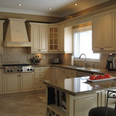 Traditional Kitchen by Rooms of Distinction Inc.