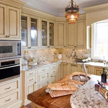 Classic Kitchen Style - Cabinets and Entertaining Island