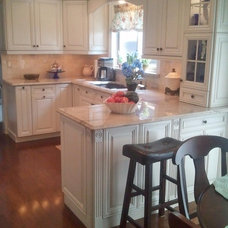 Traditional Kitchen by Naylor's Kitchen & Bath