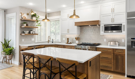 New This Week: 4 Ways With White-and-Wood Kitchens