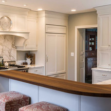 Traditional Kitchen by Past Basket Design