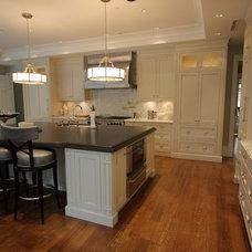 Kitchen by Wesley Ellen Design & Millwork