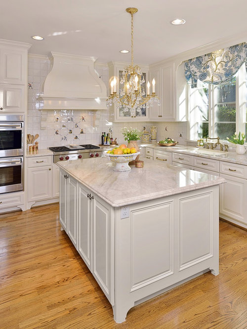 Classic traditional white kitchen remodel for Classic traditional kitchen