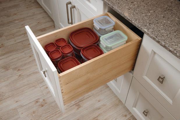 トランジショナル キッチン by Design-Craft Cabinets
