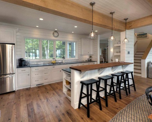 Galley kitchen with a peninsula design ideas remodel for Galley kitchen designs with peninsula