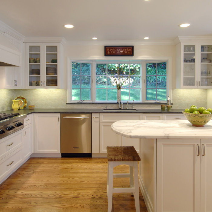 Classic White Kentfield Kitchen