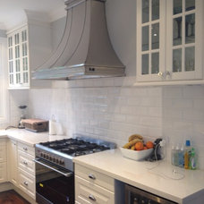 Traditional Kitchen by IKD - INSPIRED KITCHEN DESIGN