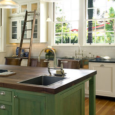 Traditional Kitchen by Hamilton-Gray Design, Inc.