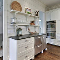 Beach Style Kitchen by K & K Custom Cabinets LLC