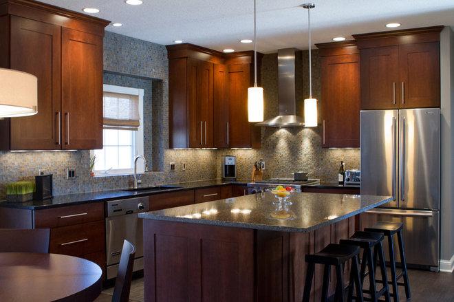Cuisine armoires brunes for Armoires de cuisine