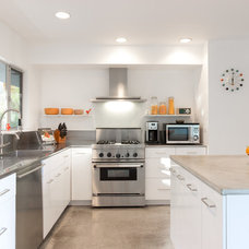 Midcentury Kitchen by Henry Home Staging & Design
