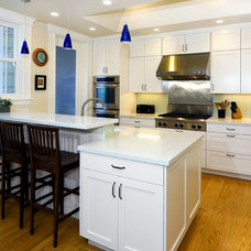 Traditional Kitchen by Rossington Architecture