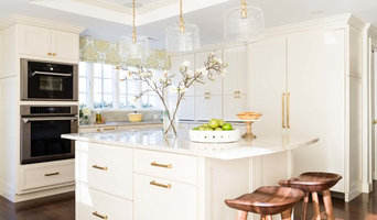 Clean and Classic Melrose Kitchen