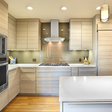 Contemporary Kitchen by Nar Bustamante, Nar Fine Carpentry, Inc.