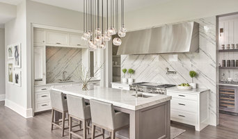 Clean-lined, Transitional Kitchen in White & Grey