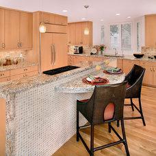 Modern Kitchen by Kitchen Collaboration, LLC