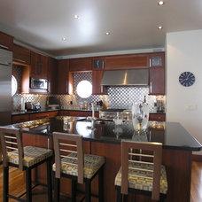 Modern Kitchen by Haisma Design Co.