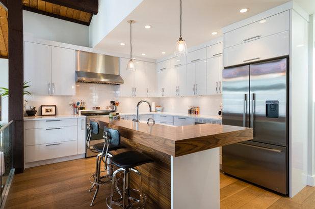 Contemporary Kitchen by SGDI - Sarah Gallop Design Inc.