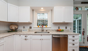 Clifton, VA White Perimeter Kitchen Cabinets