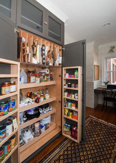 Современная классика Кухня by KitchenLab Interiors