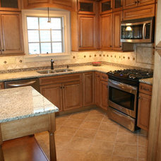 Traditional Kitchen by CreativeServicesLTD