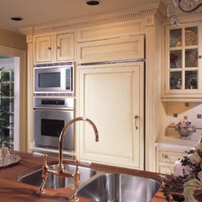 Traditional Kitchen by Construction Ahead