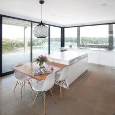 Modern Kitchen by Art of Kitchens Pty Ltd