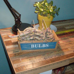eclectic kitchen Close up of Vintage Ruler Breakfast Bar