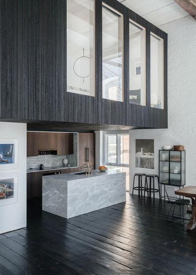 Современный Кухня by McNamara Carpentry Inc.