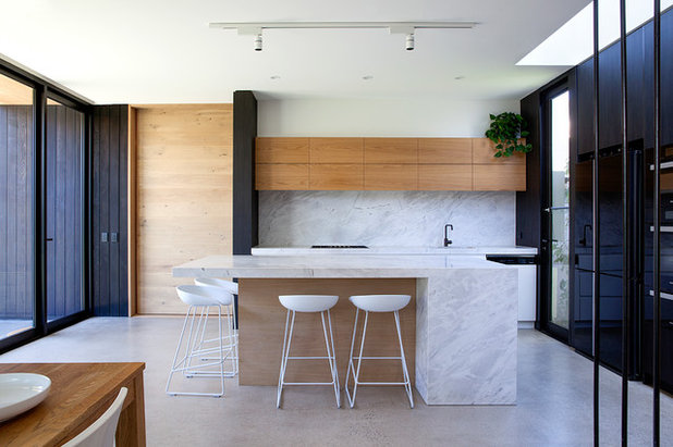 Contemporary Kitchen by CMDA - Cabinet Makers and Designers Assoc