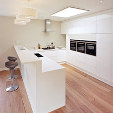 Contemporary Kitchen by COUPDEVILLE