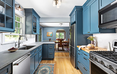 5 Countertops That Look Beautiful in a Dark Blue Kitchen