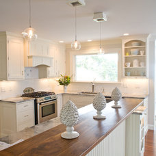 Beach Style Kitchen by Celia Bedilia