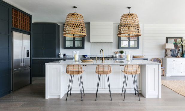 Beach Style Kitchen by Lisette Voute Designs