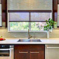 Contemporary Kitchen by JANSEN QUALITY CONSTRUCTION