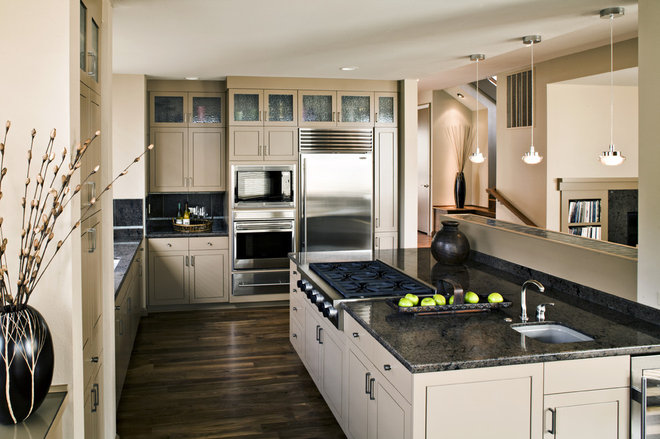 Contemporary Kitchen by SRM Architecture and Interiors