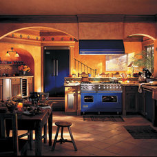 Traditional Kitchen by Kieffer's Appliances