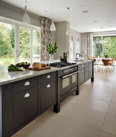 Luxury Contemporary Kitchen by Sola Kitchens